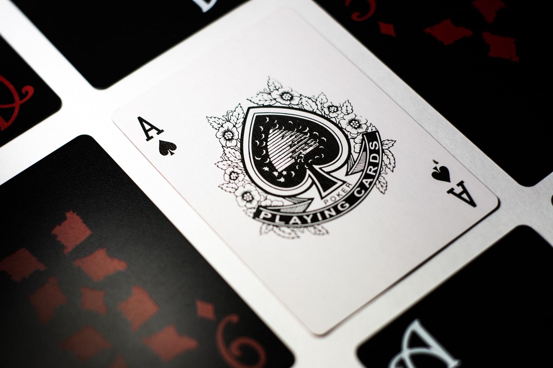 パイゴウポーカーの遊び方は?